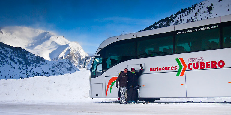 Viaja a la nieve en autocar