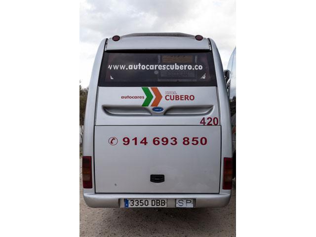 Alquiler de minibús - Exterior del vehículo (trasera)
